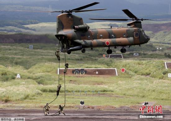 日本陆上自卫队举行28年来最大规模军事演习